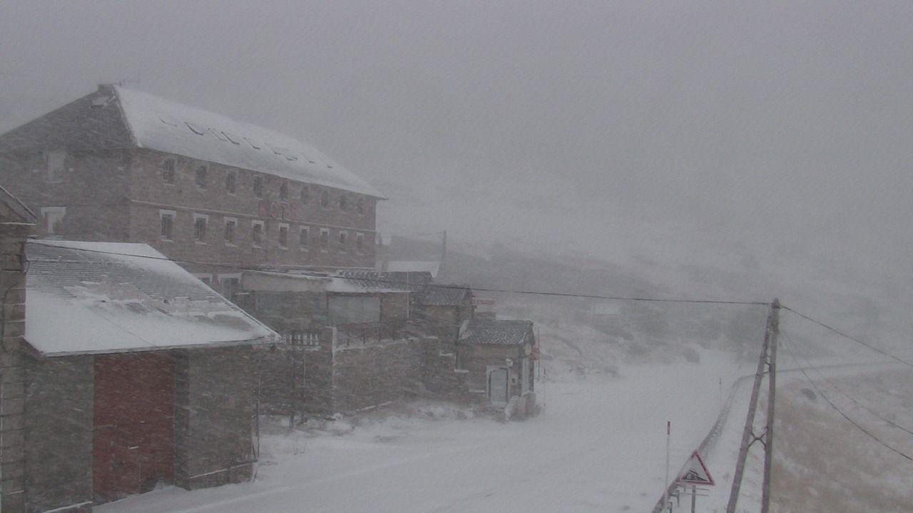 Neige sur le relief des pyr n es orientales la neige - Webcam porte puymorens ...